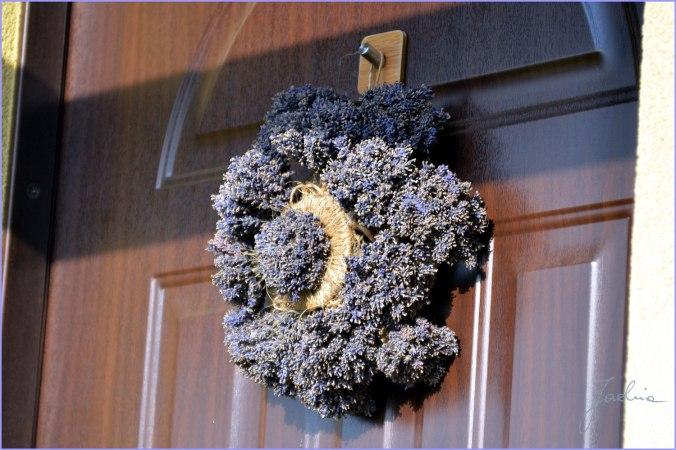 wieniec na drzwiach